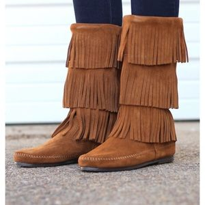 Layer Fringe Minnetonka Boots